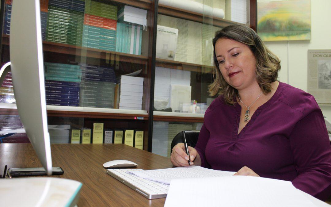 """Verónica Murillo: """"Hemos recibido propuestas de artículos de países como Montenegro o Irak, lo que nos hace darnos cuenta de que la Revista ha ido haciéndose un nombre y una reputación internacional"""""""