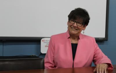"""PhD Carol M. Myford: """"Las evaluaciones de desempeño se utilizan para demostrar las cualidades que los estudiantes poseen, con el fin de que comprueben no solo lo que saben, sino lo que pueden hacer. Son extremadamente útiles para balancear la evaluación objetiva que los profesores deben realizar."""""""